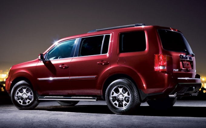 Honda Pilot - Red Metallic